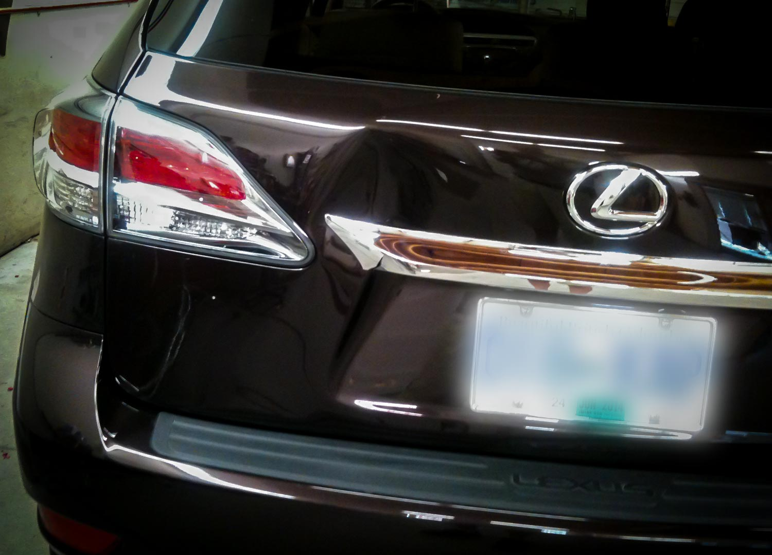 2012 Lexus Rx350 With Dent In Trunk Lid Dentique